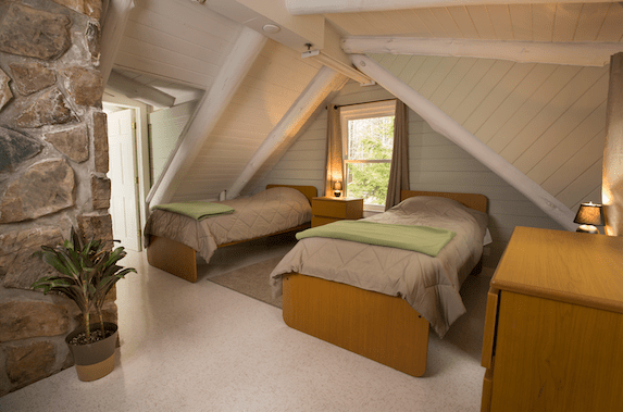 twin beds room of green mountain treatment center